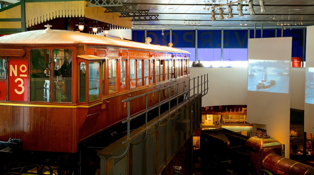 Museet i Liverpool som inkluderer jernbaneelementer og innendørs