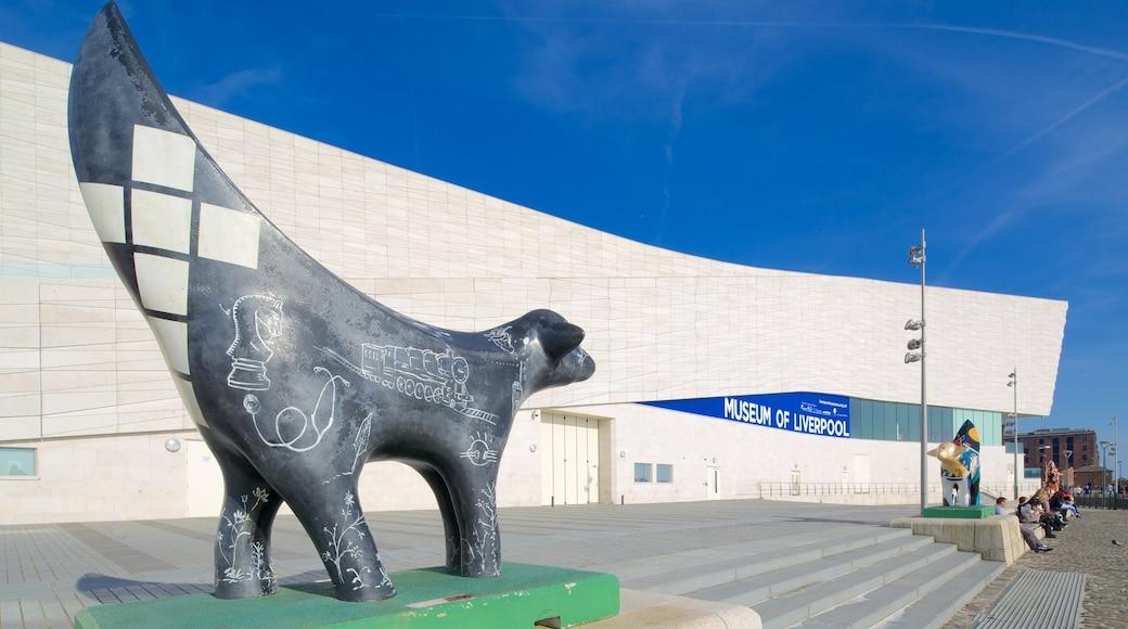 Museet i Liverpool som inkluderer statue eller skulptur og moderne arkitektur