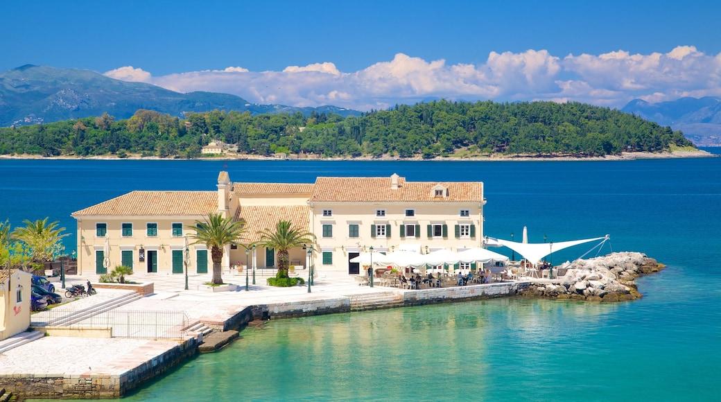 Korfu havn som viser kyst