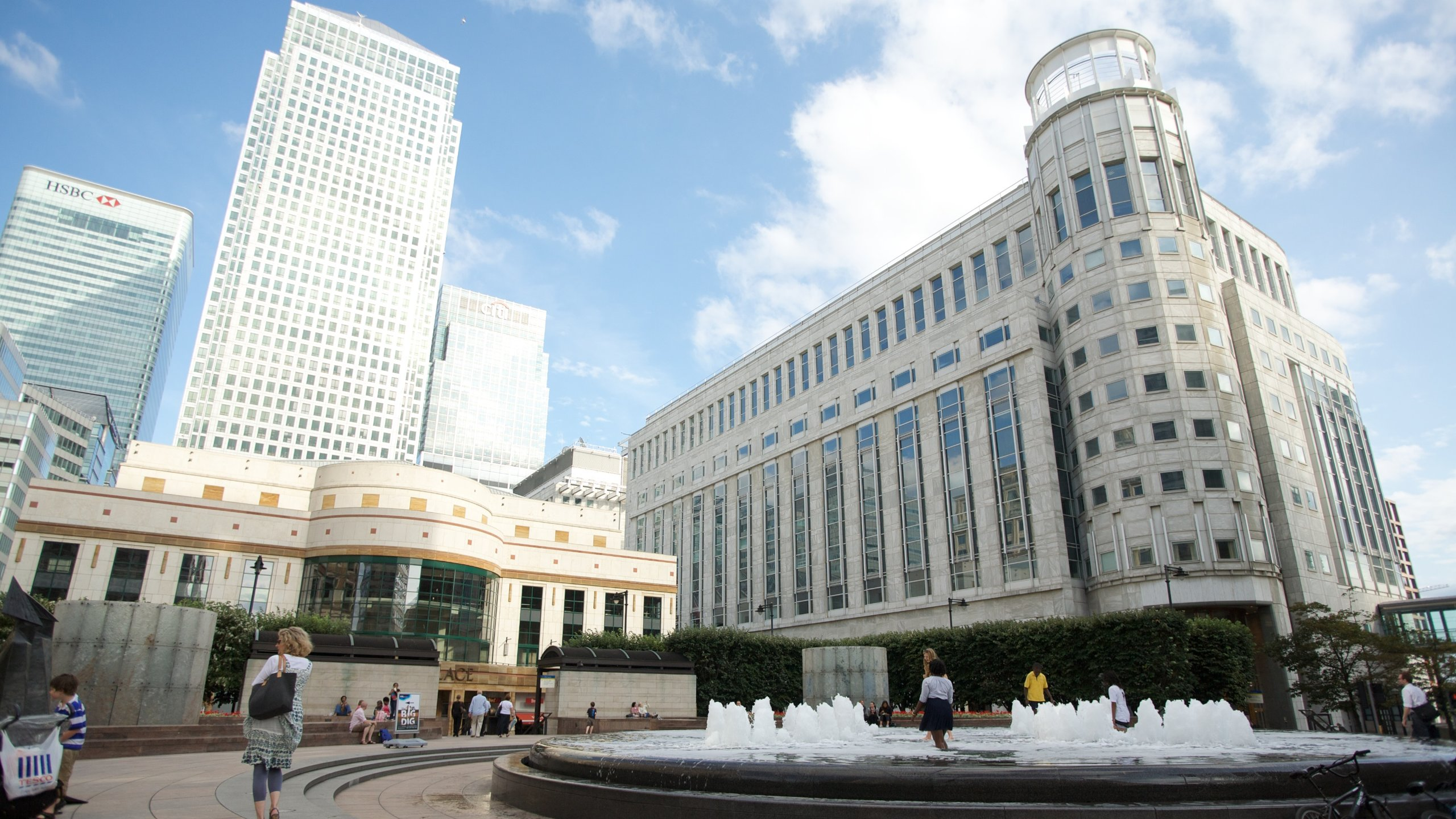 Hotels with Parking in Canary Wharf   Find 221 Hotel Deals