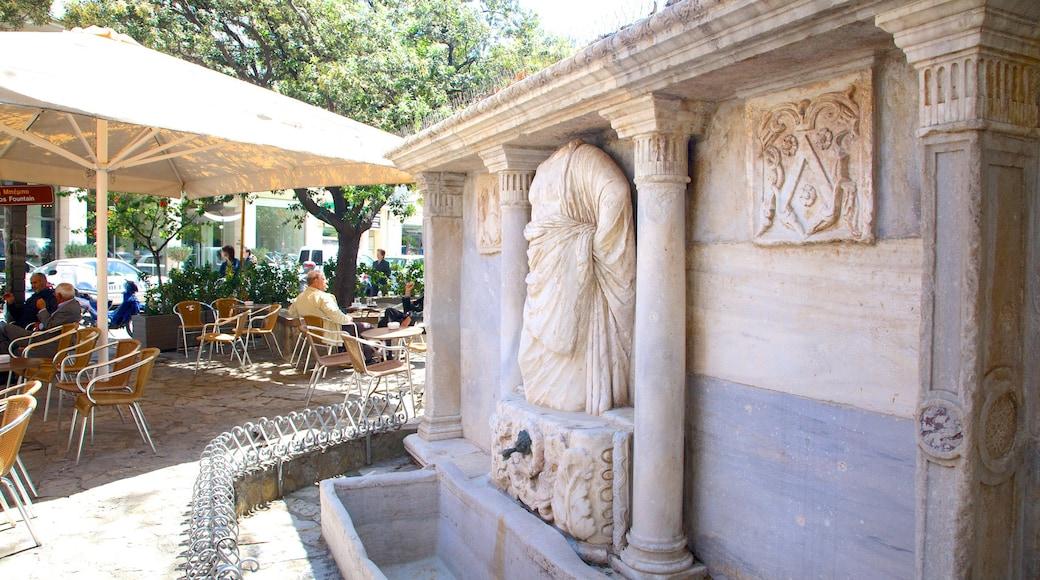 Bembo-Brunnen welches beinhaltet Statue oder Skulptur