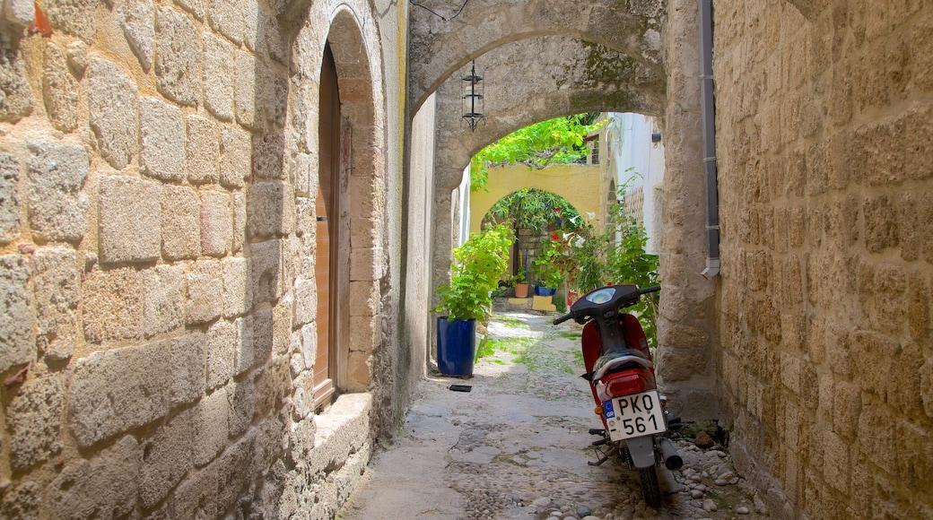 Rhodes qui includes patrimoine architectural et scènes de rue