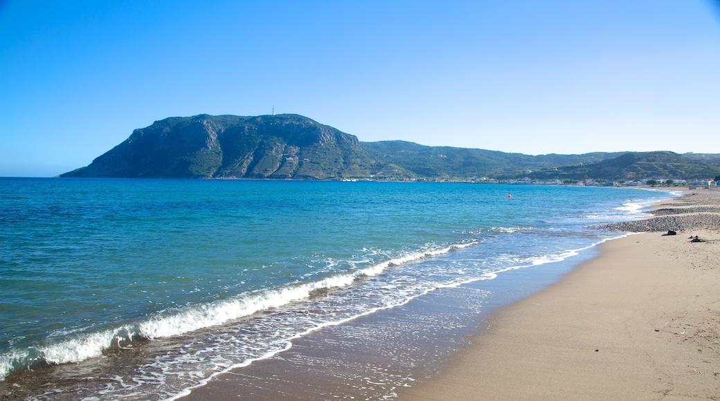 Kefalos mit einem allgemeine Küstenansicht und Sandstrand
