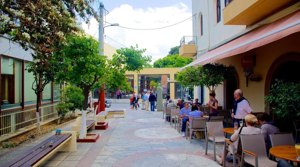 Musée archéologique d\'Héraklion qui includes scènes de rue et pause café