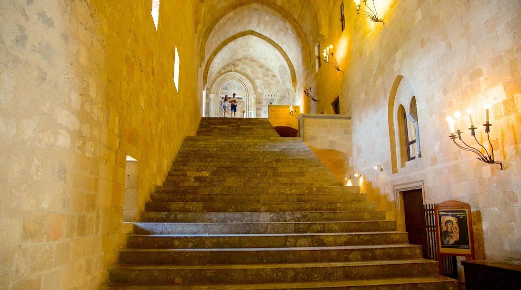 Großmeisterpalast des Johanniterordens mit einem historische Architektur, Palast oder Schloss und Innenansichten