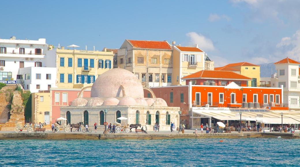 Port vénitien qui includes ville côtière