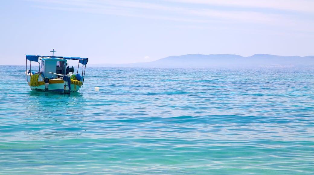 Strand von Pefkos welches beinhaltet allgemeine Küstenansicht