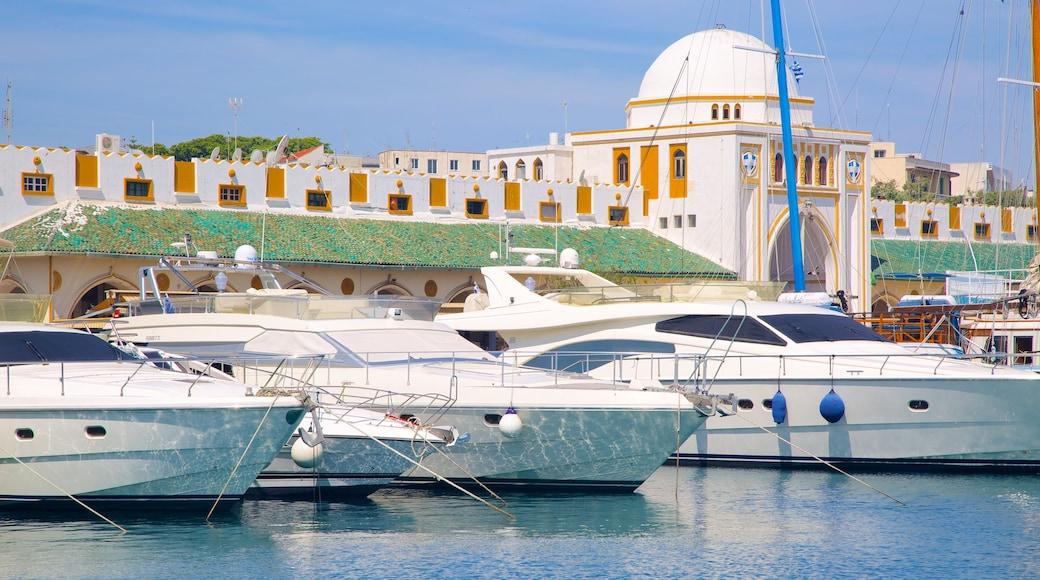 Port de Rhodes mettant en vedette vues littorales et marina