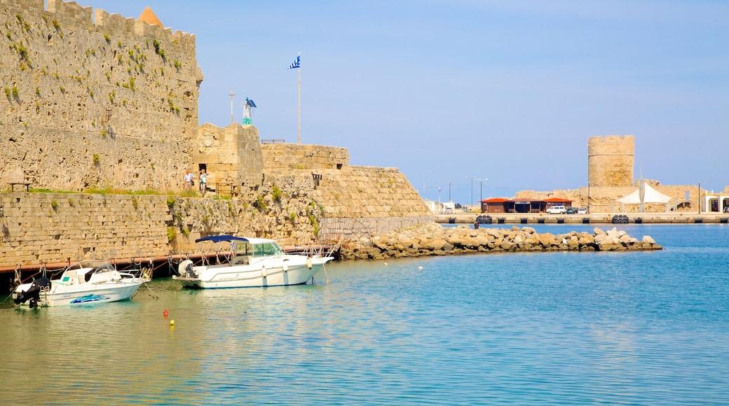 Port de Rhodes qui includes vues littorales et patrimoine architectural