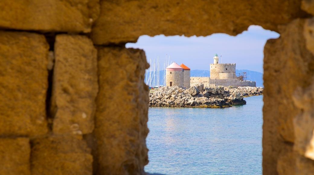Port de Rhodes qui includes patrimoine architectural