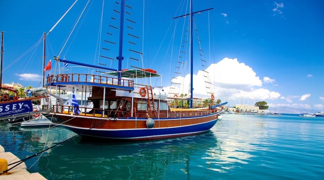 Hafen von Kos welches beinhaltet Marina