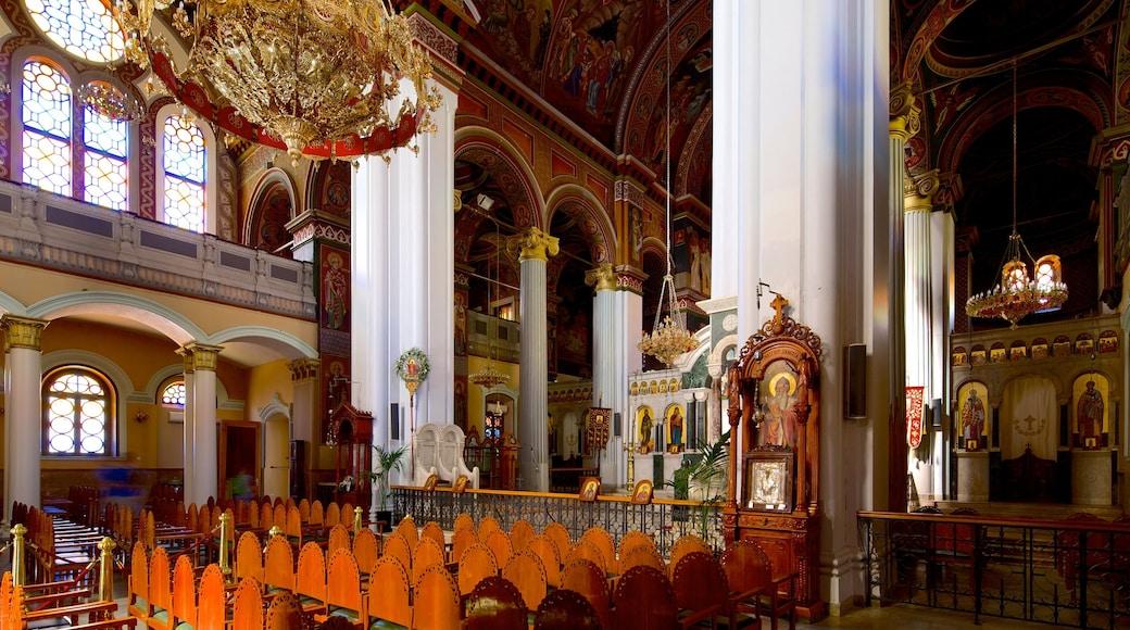 Agios Minas-kathedraal toont interieur, religieuze aspecten en een kerk of kathedraal