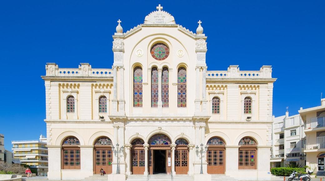Agios Minas-kathedraal inclusief een kerk of kathedraal, historische architectuur en religieuze aspecten