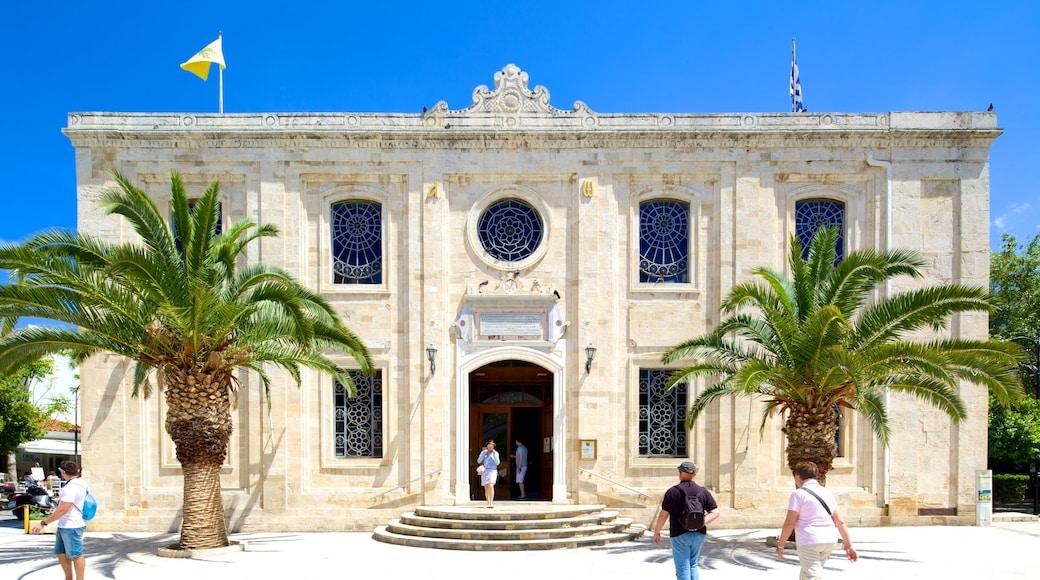 Eglise Saint-Titus qui includes église ou cathédrale et aspects religieux