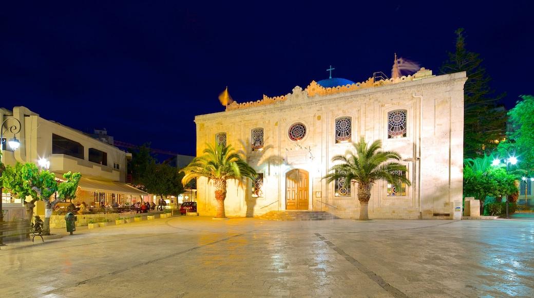 Eglise Saint-Titus qui includes éléments religieux, patrimoine architectural et église ou cathédrale