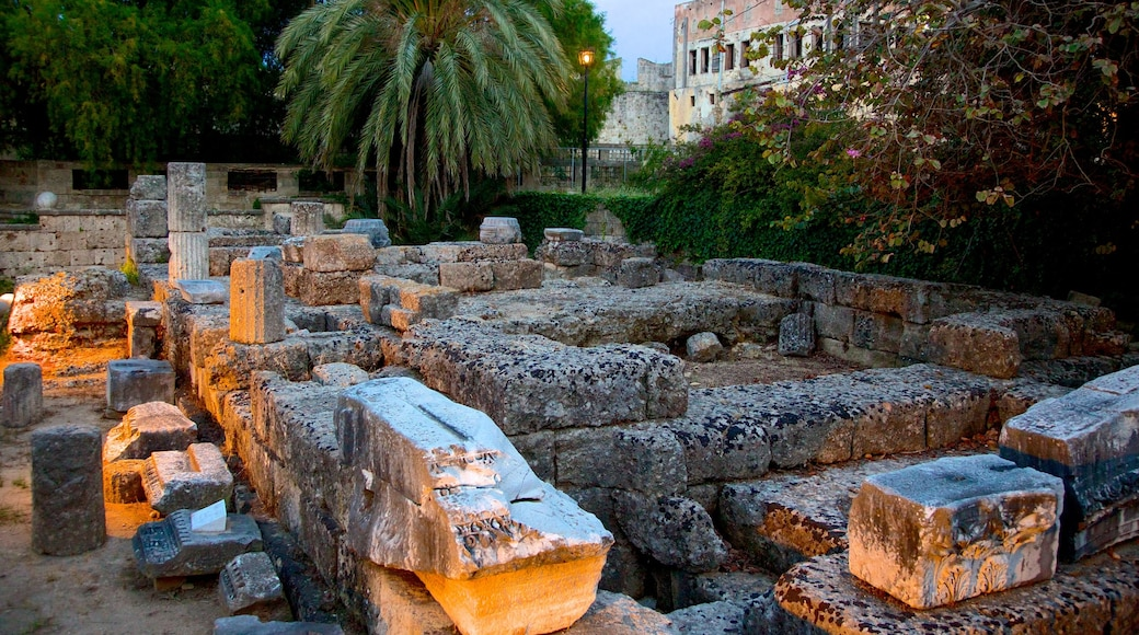 Aphrodite-Tempel welches beinhaltet Gebäuderuinen