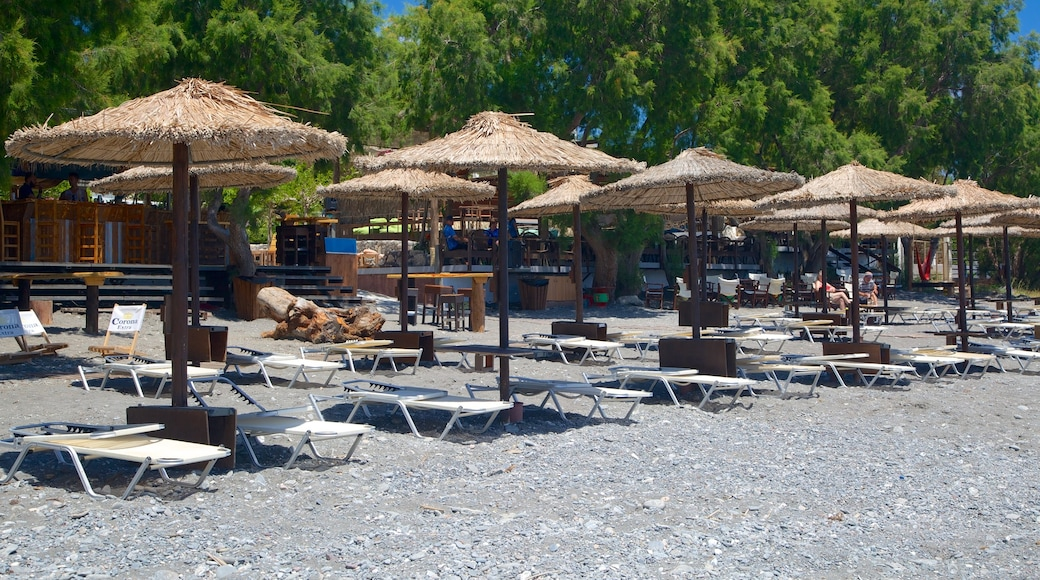 Agios Fokas Beach showing a pebble beach