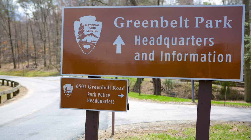 Greenbelt Museum which includes signage