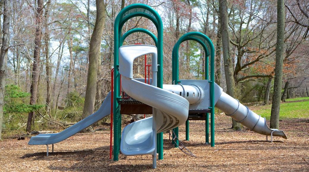 Greenbelt Museum featuring a playground