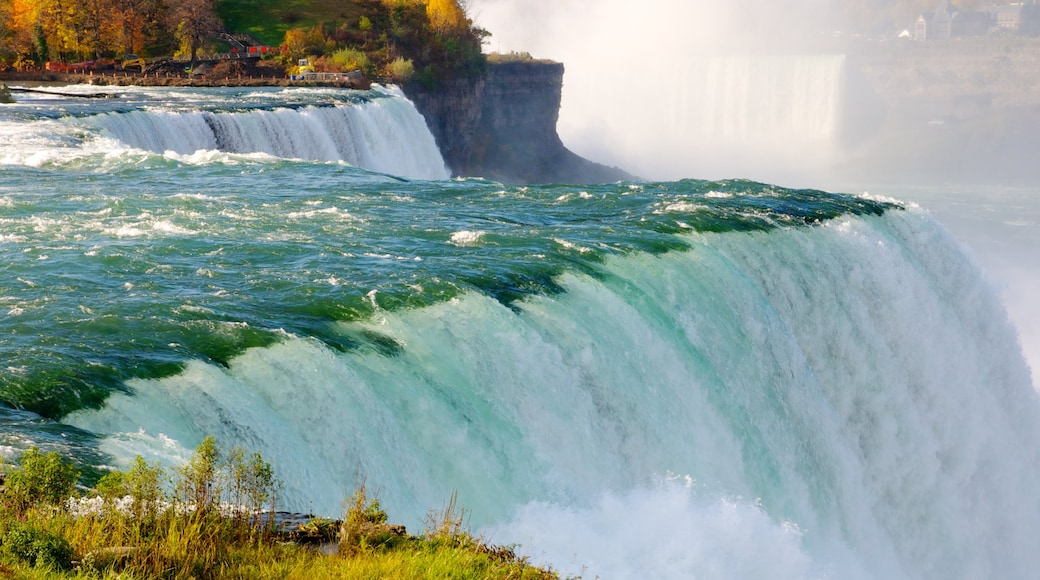 Ontario showing a waterfall