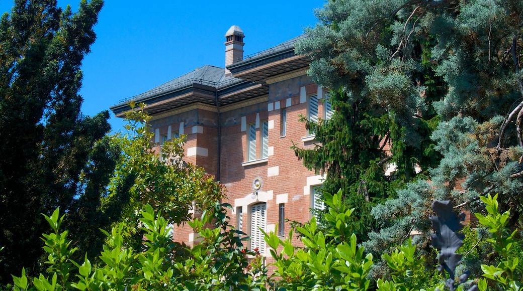Imola som inkluderer hus