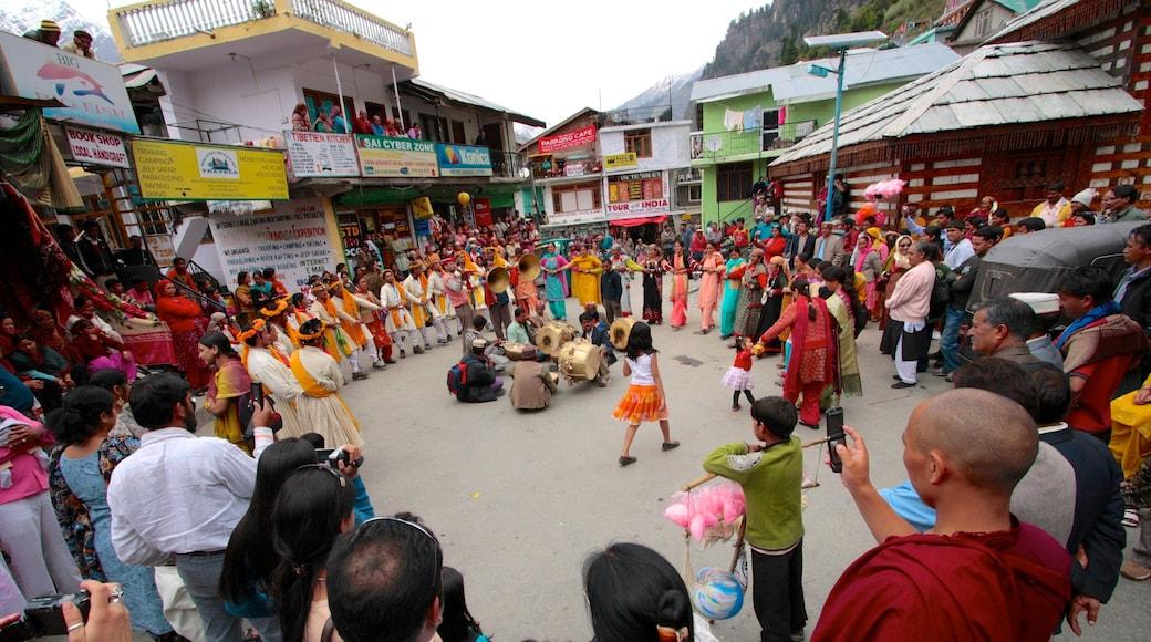 Manali featuring street scenes, street performance and performance art
