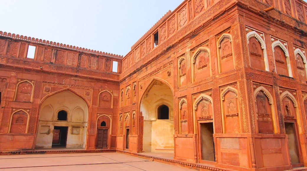 Agra Fort showing heritage architecture