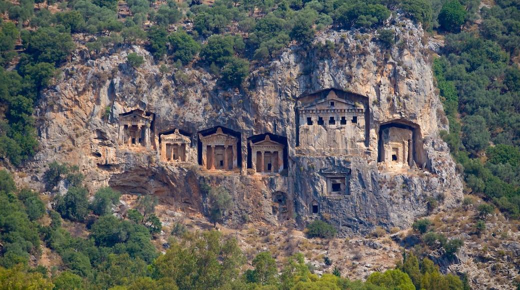 Dalyan mostrando arquitectura patrimonial