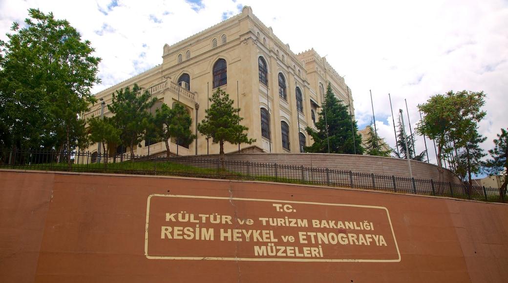 Museo Estatal de Arte y Escultura que incluye señalización