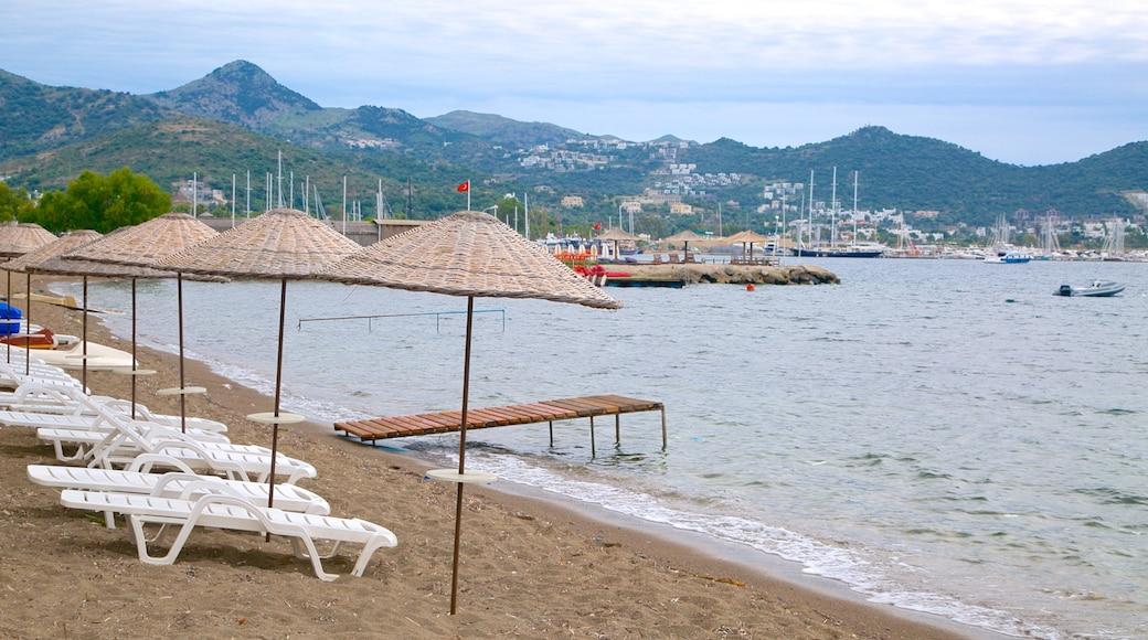 Yalikavak Beach featuring a beach