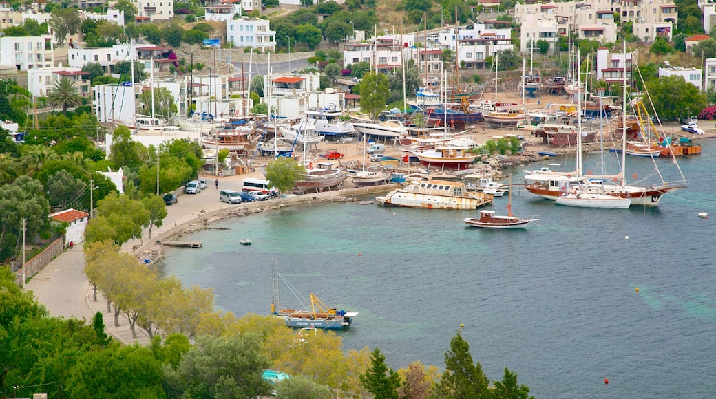 Yalikavak Beach which includes a bay or harbour and a coastal town