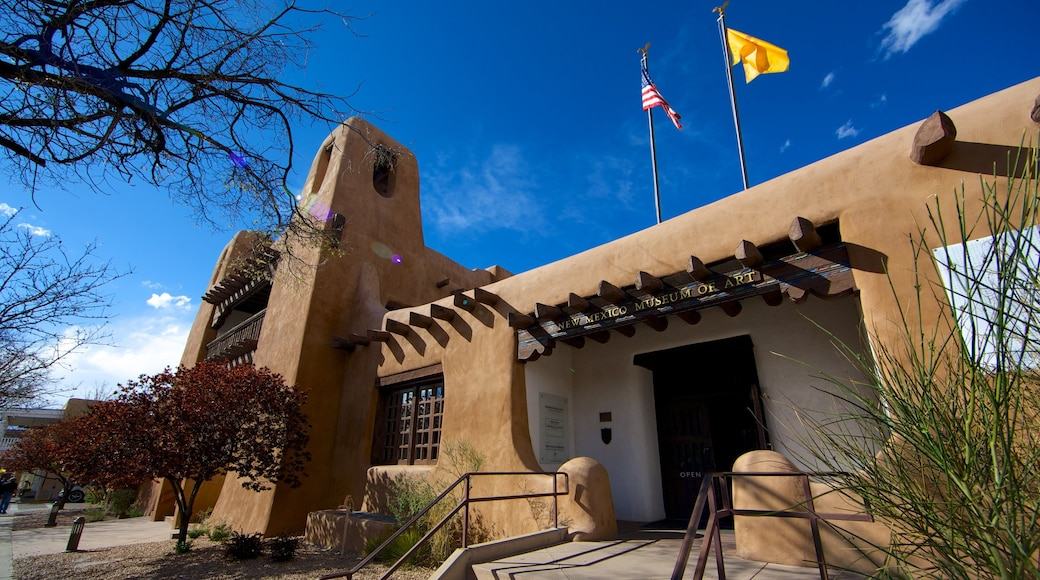 New Mexico Museum of Art featuring art and a house