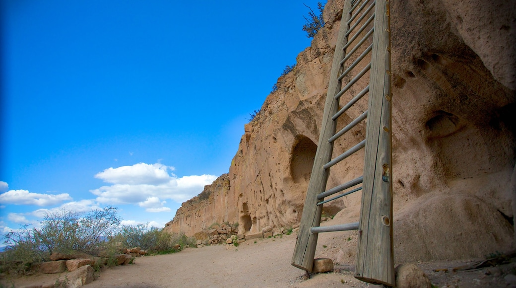 Puye Cliff Dwellings showing landscape views