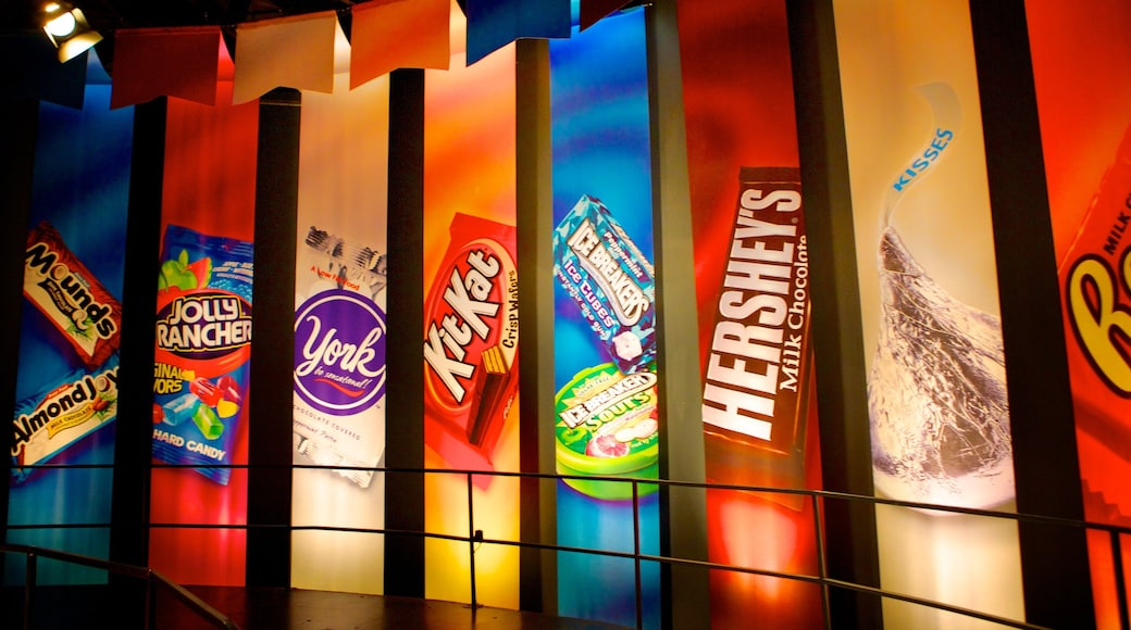 Hershey\'s Chocolate World caracterizando sinalização e vistas internas