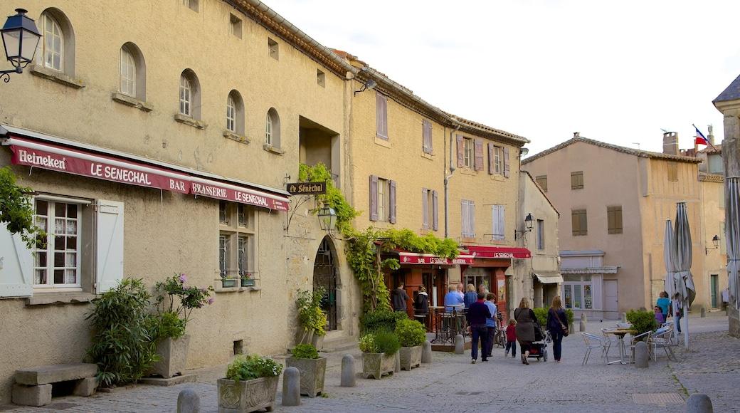 Carcassonne qui includes scènes de rue