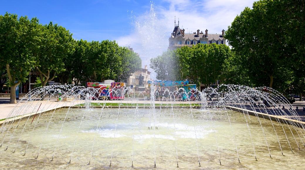 Béziers mit einem Springbrunnen
