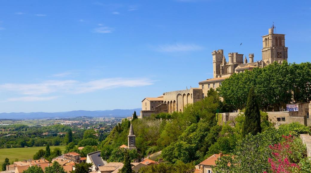 Béziers welches beinhaltet historische Architektur und Burg