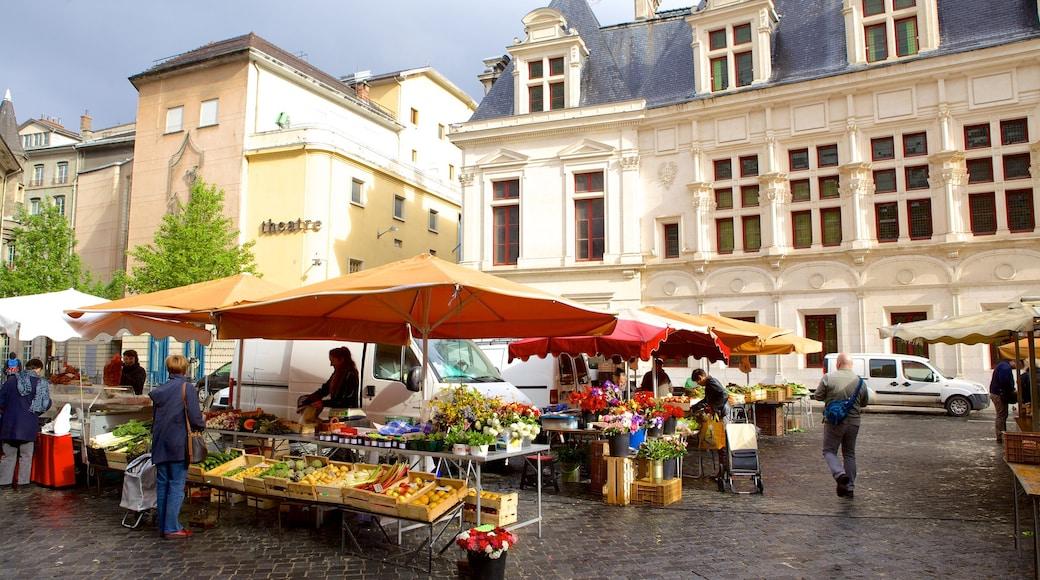 Grenoble welches beinhaltet Märkte, Straßenszenen und Platz oder Plaza