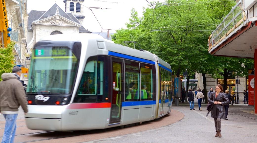 Grenoble das einen Eisenbahnbetrieb und Straßenszenen