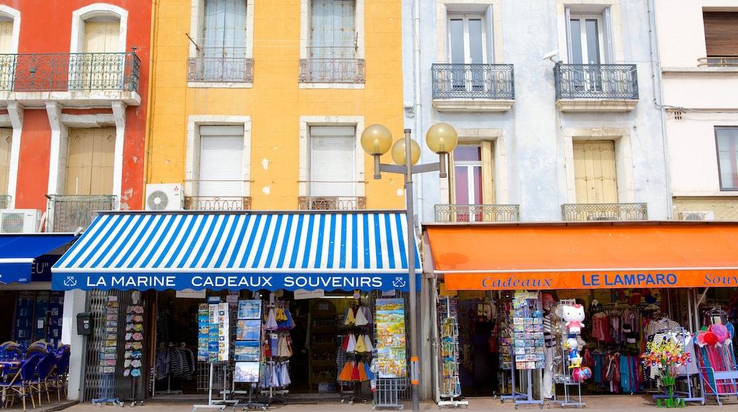 Sète mettant en vedette scènes de rue et shopping