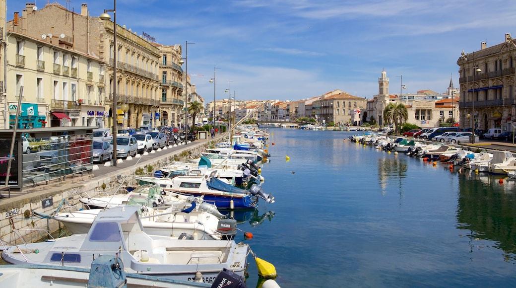 Sète mit einem Fluss oder Bach, Bootfahren und Bucht oder Hafen