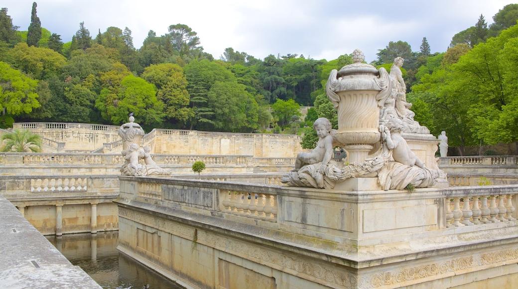 Nîmes mettant en vedette patrimoine architectural et statue ou sculpture