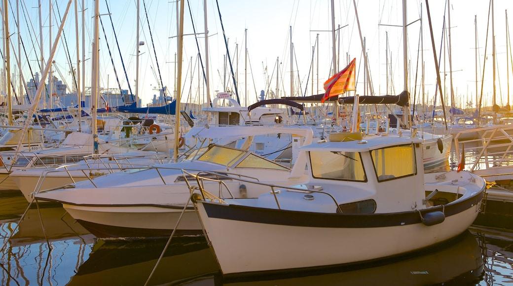 Marina de Toulon qui includes navigation, marina et voile