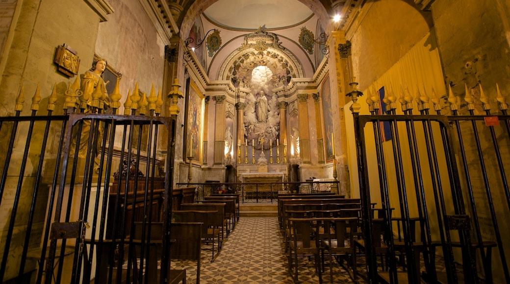 Provence welches beinhaltet Kirche oder Kathedrale, Innenansichten und religiöse Aspekte