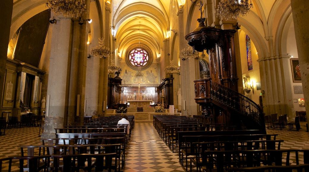 Provence das einen religiöse Aspekte, Innenansichten und Kirche oder Kathedrale