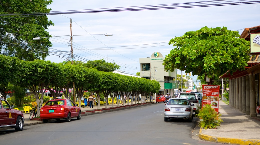 Liberia showing street scenes