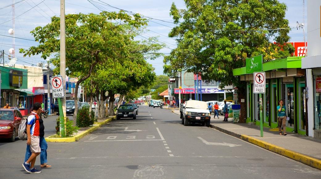 Liberia which includes street scenes
