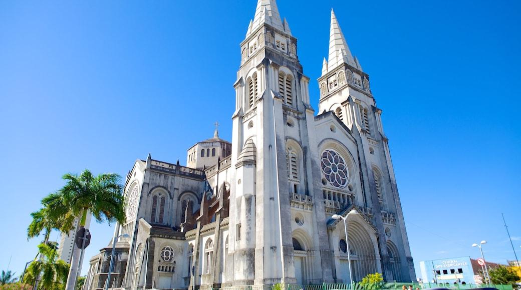 Catedral Metropolitana de Belén mostrando una iglesia o catedral y elementos religiosos