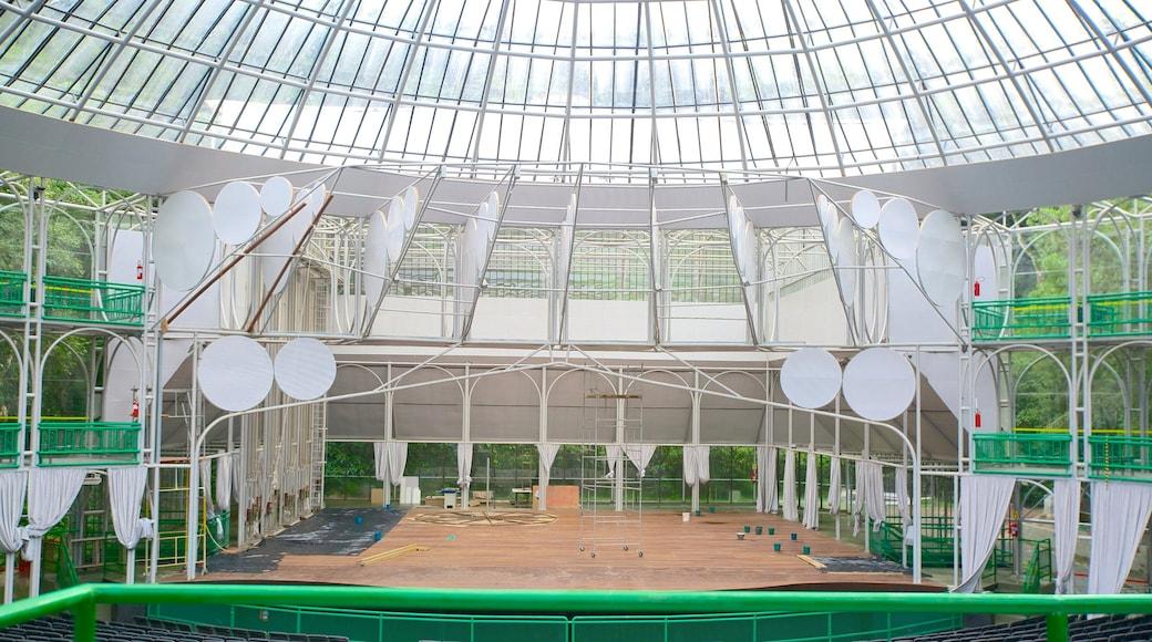 Ópera de Arame que inclui arquitetura moderna, cenas de teatro e vistas internas