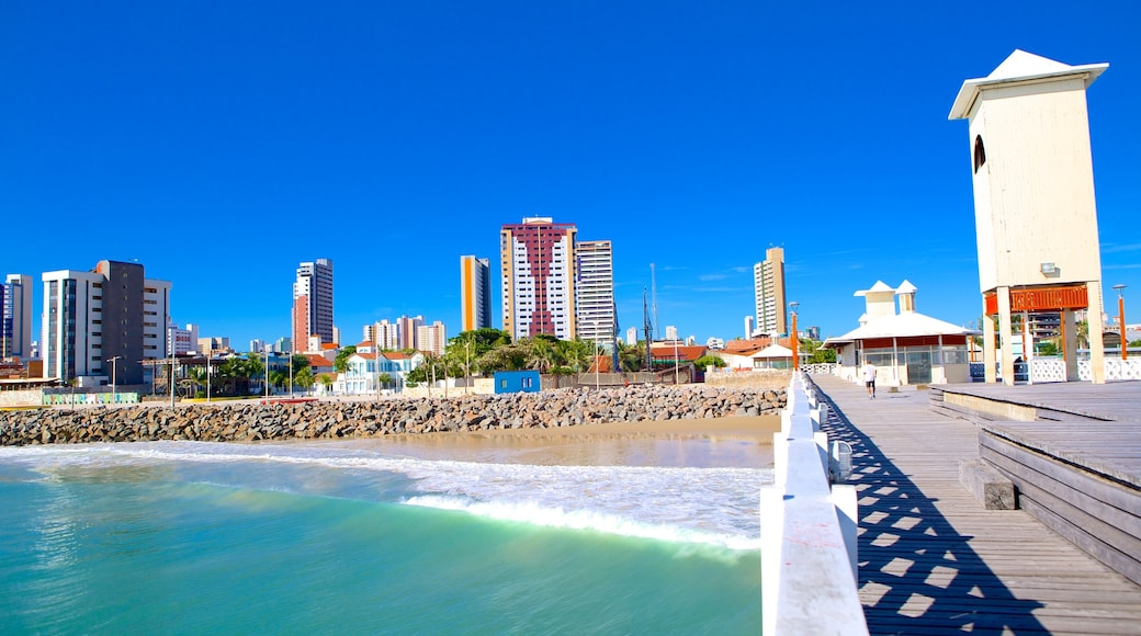 Ponte dos Ingleses featuring a city and a sandy beach
